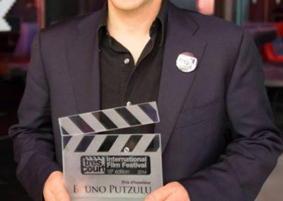 2014 – Prix d'honneur au « très court Film Festival »